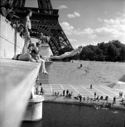 Robert_Doisneaux_Pont_dxIxnax_1945_copyright_x_atelier_Robert_Doisneau